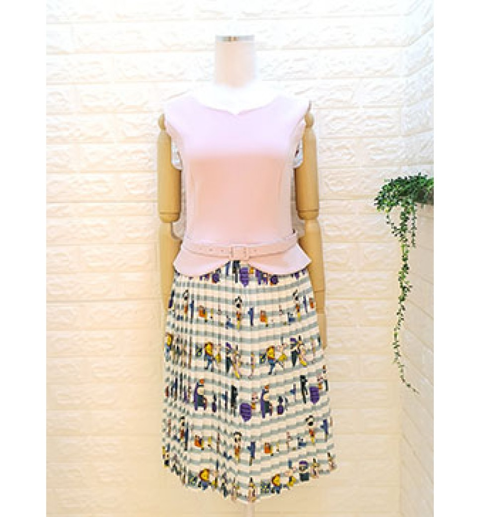 Print Pleated Dress